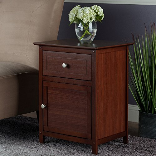 Winsome Wood Eugene Accent Table, Walnut