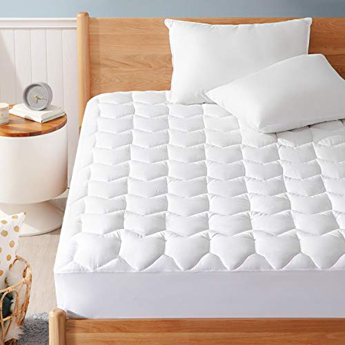 """Bedsure Queen Mattress Pad, Upgraded 500GSM Breathable Quilted Mattress Cover with Deep Pocket (8""""-18""""), Extra Soft Hypoallergenic Down Alternative Filled Mattress Topper"""