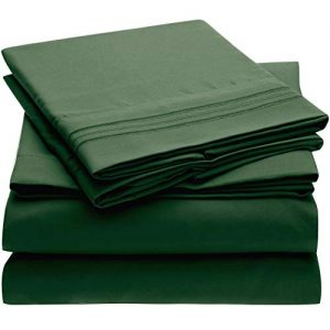 Mellanni Bed Sheet Set - Brushed Microfiber 1800 Bedding - Wrinkle, Fade, Stain Resistant - 4 Piece (Cal King, Emerald Green)