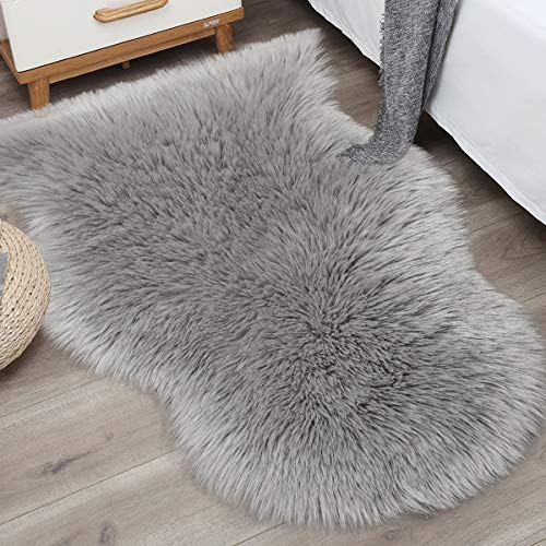 Noahas 2ft x 3ft Faux Fur Sheepskin Rugs Luxury Fluffy Rug for Bedroom Sofa Chair Cover Fuzzy Throw Home Decor Small Shaggy Carpet, Grey