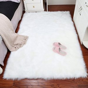 Super Soft Faux Fur Sheepskin Fluffy Area Rug Shaggy Thick Chair Cover Seat Pad Fur Floor Mat Carpet for Bedrooms Living Room Kids Rooms (White, 2ftx3ft)