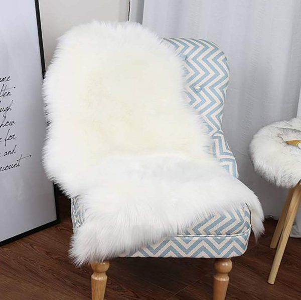 junovo Super Soft Luxury Fluffy Shaggy Faux Fur Area Rug for Living Room Bedroom Reading Room Study Nursery Couch Sofa Armchair Decor, 2ft x 3ft White